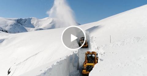 Drone footage of snow clearing in Norway's Trollstigen Mountain(Video)