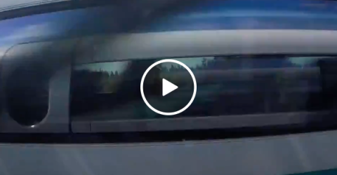 Passing another Maglev train is intense (Video)