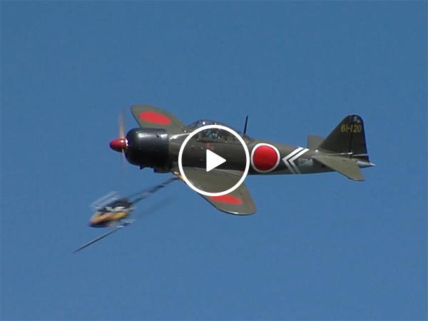 Model planes collides with model helicopter (video)