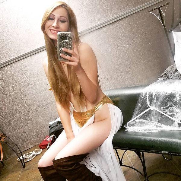 realninaskye 29 6 2017 13 14 35 706 Adult film star fired from her job as a Kindergarten teacher for refusing to quit porn (6 Photos)