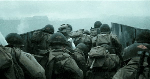 s p r 36 99b21 Filming D Day in Saving Private Ryan (55 Photos)