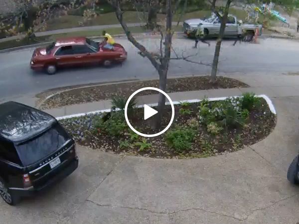 Insane footage of construction workers chasing a tool thief (Video)