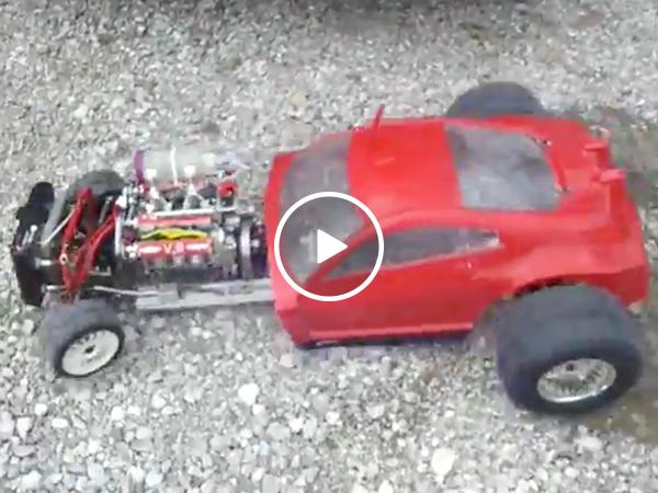 Man builds impressive miniature V8 hotrod (Video)