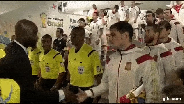 59676a3ad0a309160377242 Confused handshakes are the definition of awkward (13 GIFs)