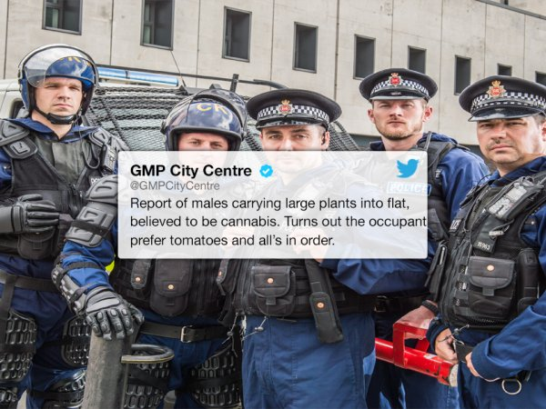 GMP City Centre have the best police Twitter account (26 Photos)