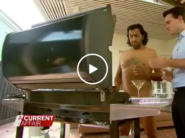 Aussie man disputes neighbors... by getting naked (Video)