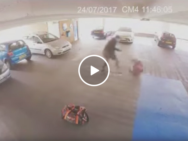 Guy tries to break into car, MMA fighter takes him down