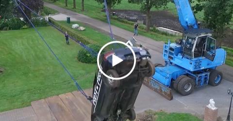 Redneck ingenuity creates car swing (Video)