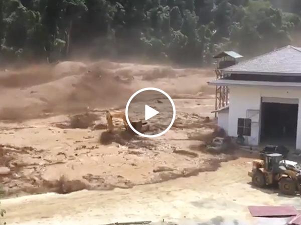 Massive dam failure in Laos (Video)