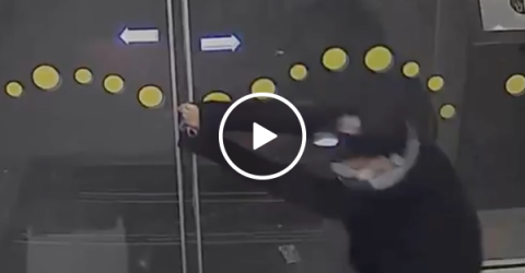 Gas Station Thief loses battle against automatic doors (Video)