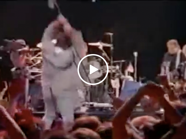 Billy Joel has melt down while performing in USSR (Video)