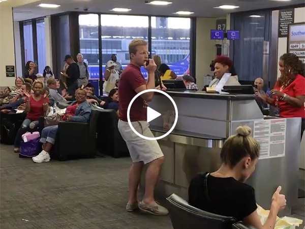 Guy Sings No Diggity At Airport | Guy Takes Over Mic