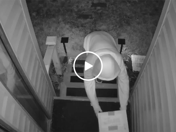 Thief Tries To Steal Amazon Delivery But Gets Shut Down