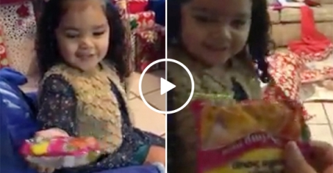 Girl Gets Awful Gift for Christmas But Her Reaction Was Joyful