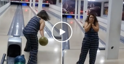 Woman Has No Idea How To Bowl | Lady Fails Miserably At Bowling Alley