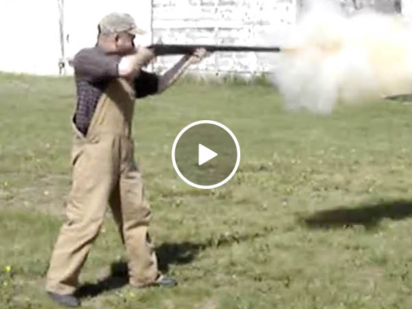 Redneck ingenuity makes a 4 gauge shot gun (Video)