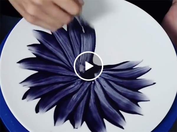 Artist Paints A Spiraling Flower And It's Beautiful