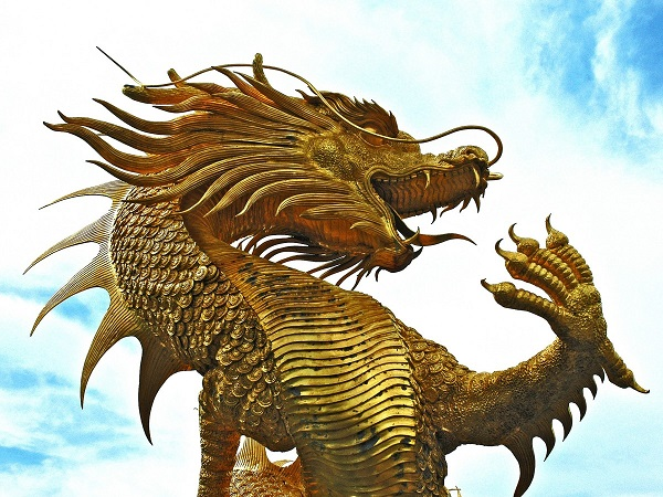 sculpture dragons golden thailand 1018071 A look at the lore of dragons across the globe (10 Photos)
