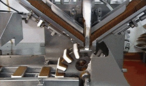 anigif enhanced buzz 28640 1397058250 443 Mesmerizing gifs of how things are made (20 Gifs)