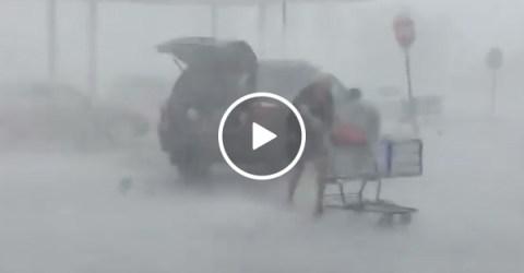 Despite a hailstorm a Lady Returned Her Shopping Cart