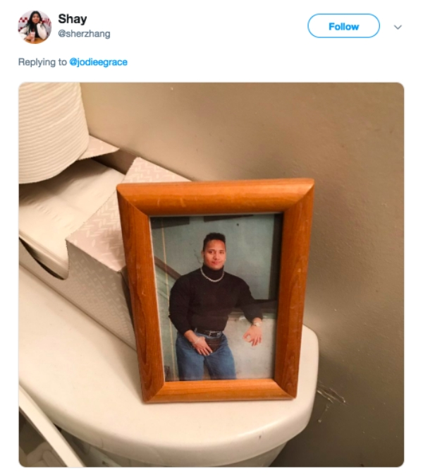 Women are sharing the weirdest sh*t they've found in guy's bathrooms (21 Photos)