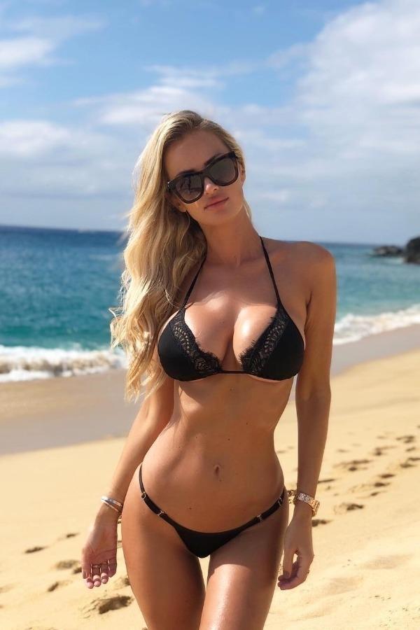 beautiful women in bikini