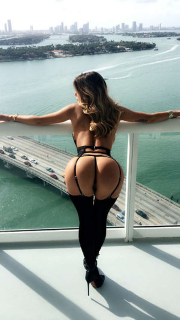 sexy women selfies with a view