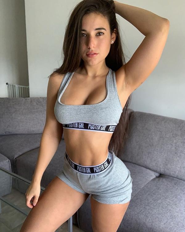 Hot Girls In Sports Bras