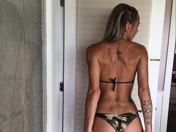I'm bringing sexy backs (31 Photos)