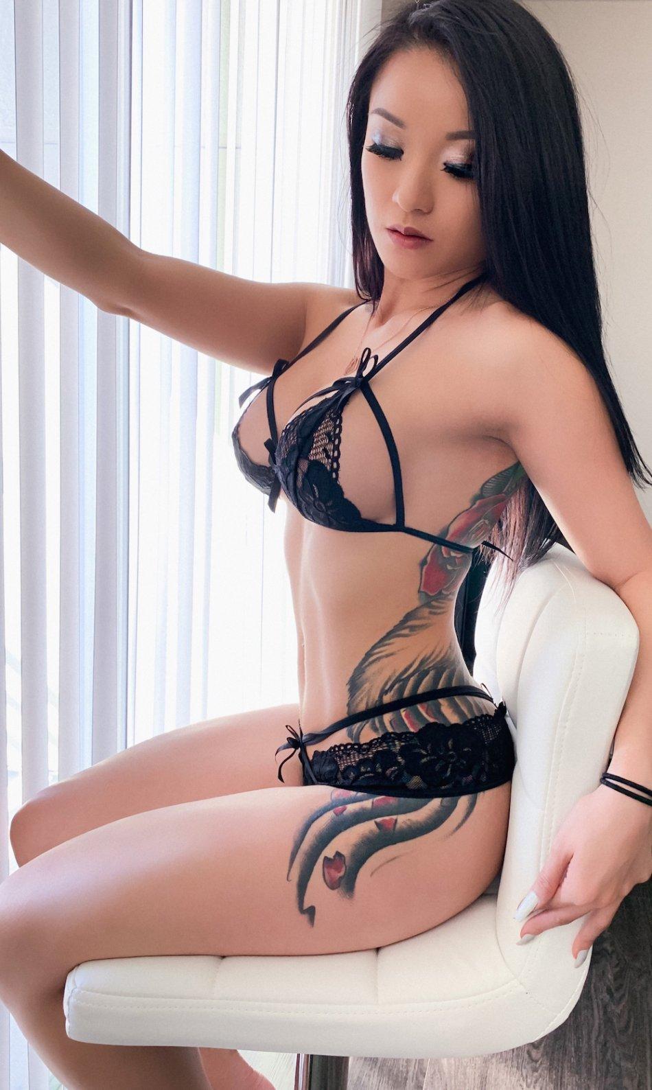 Asian 😝 women hot Naked Asian