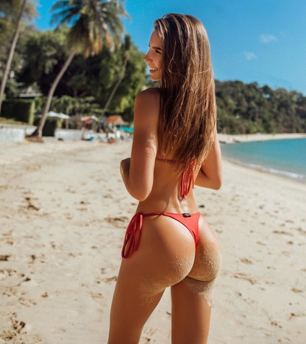 sandy butt cheeks 1 Sandy cheeks that could use a quick dusting...or not (44 Photos)