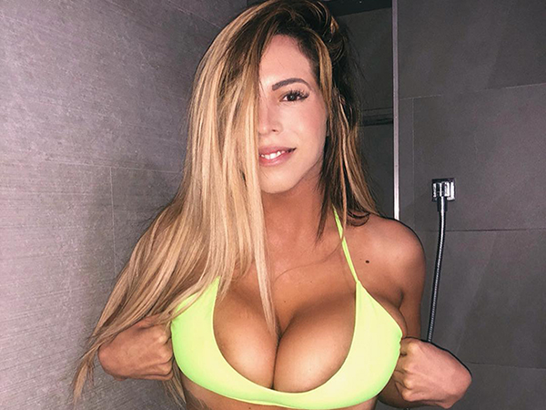 Hot and Beautiful Girls Posting Bikini and Boob Pictures on Instagram Saturday Cleavage should be a national holiday (31 Photos)