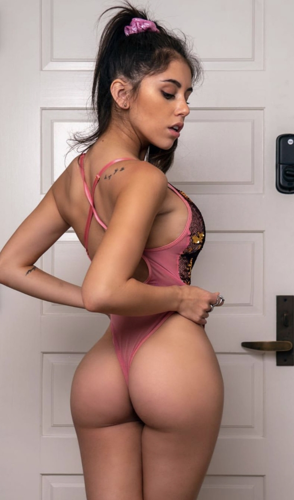 Hot Girl ASS USA 2019- Look Back At It! (38 photos)