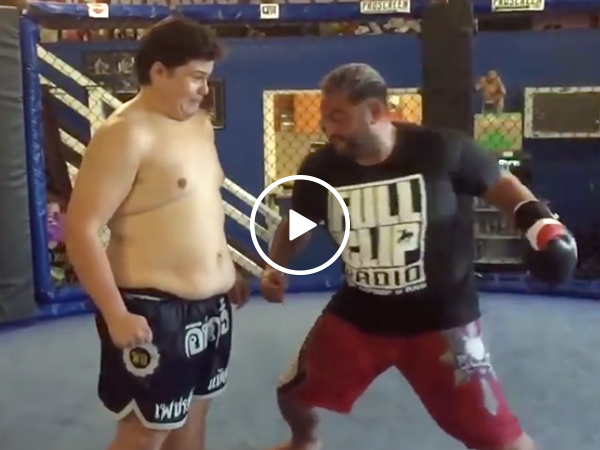 The iron fist of UFC legend Mark Hunt vs. A Kid Named Noodles (Video)