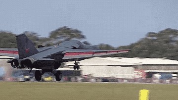 f 111 gif 06 take off distance 24 Why FLAME trail behind F 111 jet…here's the answer (8 GIFs / Video)