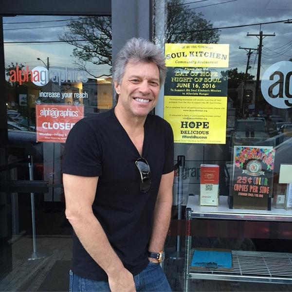 bon jovi opens restaurants dedicated to a damn good cause xx photos 4 Bon Jovi opens restaurants dedicated to a damn good cause (17 Photos)