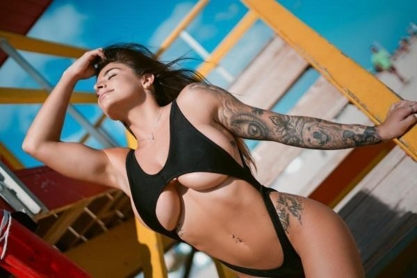 4c22946cf65c139eaafccfa326785dee width 600 Fit Girls never miss their Friday grind (37 Photos)