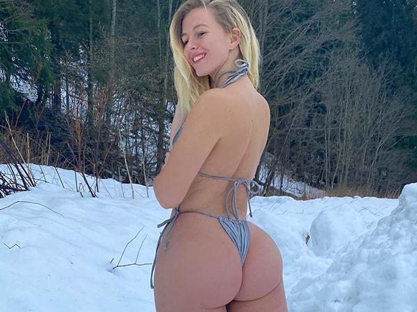 Sexy Blonde Big Tits Big Ass