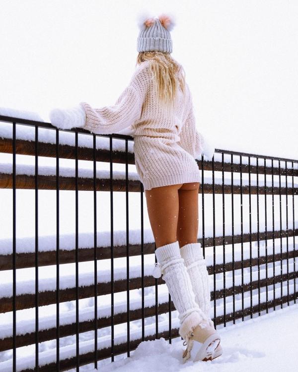 007natalee 80667619 166106241288597 4907465093438085592 n The mysteries of winter wardrobe (38 Photos)