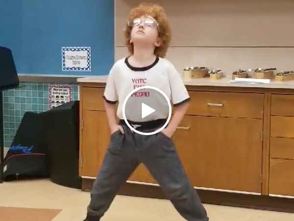 Flippin' sweet little kid nails the dance from 'Napoleon Dynamite' (Video)