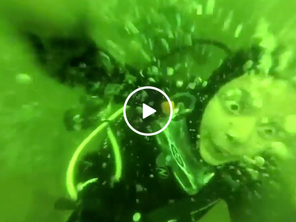Scuba Diver's underwater panic attack is utterly terrifying (Video)
