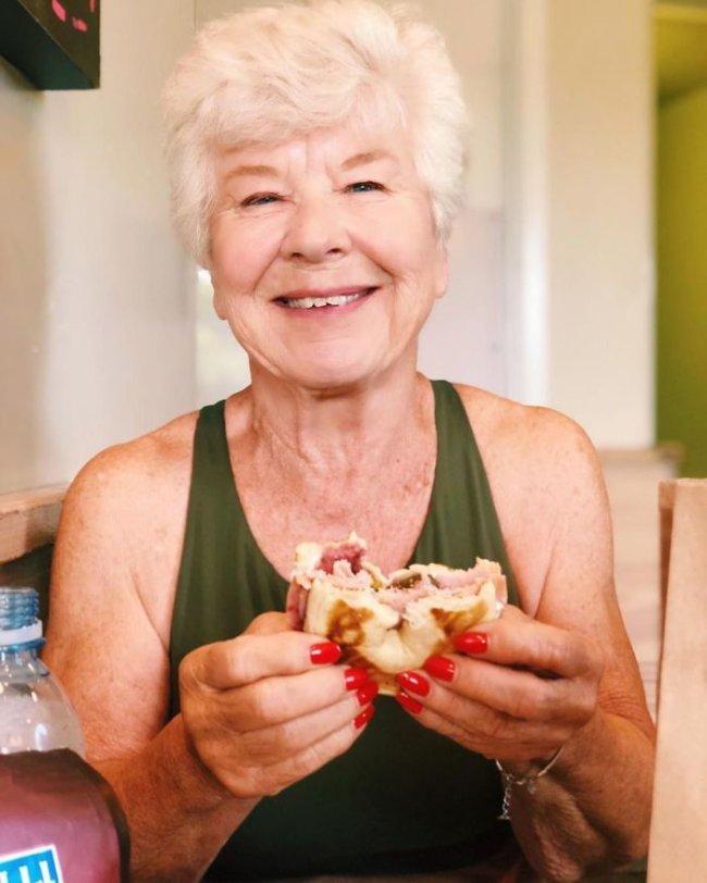 Granny Goes From Zero to Hero (27 Photos Joan MacDonald )