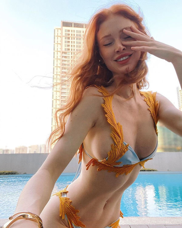 Rockin' redhead from South Africa (24 Photos)