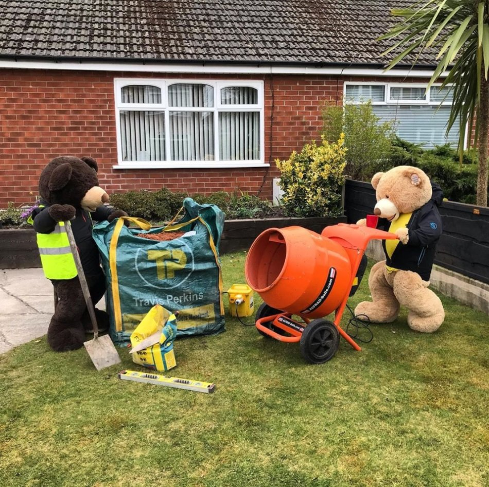 person rearranges 2 giant teddy bears in his yard every day to keep neighbors entertained 7 Person rearranges 2 giant teddy bears in his yard every day to keep neighbors entertained (28 HQ Photos)