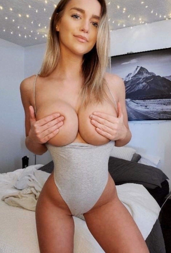 Big Boobs Sexy Hot Girls Photos After Dark Night Compilation I like…(15 Photos)
