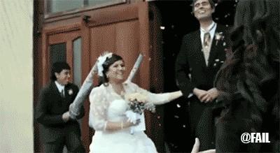 WeddingFountain1 2 Weddings and petty revenge are always a winning combination (8 GIFs)