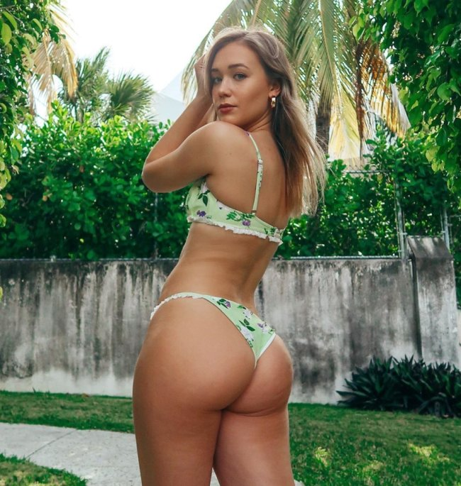 themelissarae 95014238 1578875125617142 5341610887922250959 n Hump Day is the only day that makes sense anymore (38 Photos)