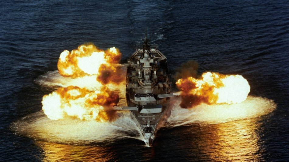 what would happen if a ww2 battleship fought a modern destroyer 7 What would happen if a WW2 Battleship fought a modern Destroyer? (25 HQ Photos)