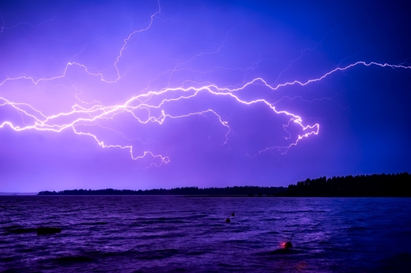 Incredible Lightning Bolt World Records Discovered By WMO and NOAA Satellites On Twitter Humanity Science Interesting Shocking 6 Meteorologists have discovered two record breaking lightning storms