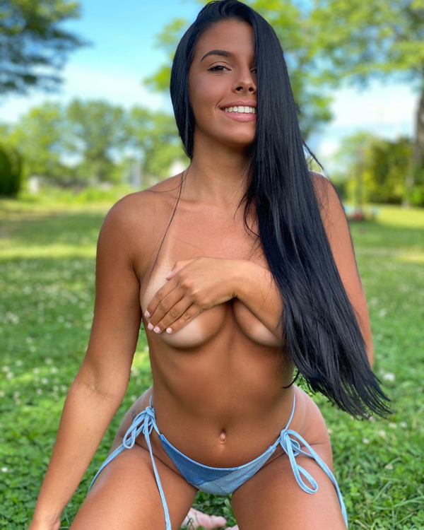 becca spadaro 104429823 298695594643260 7335071803791566703 n The only time less is more (55 Photos)